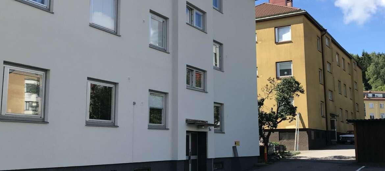 Första huskroppen målad